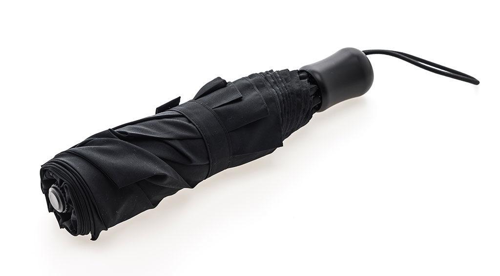 schwarzer Taschenschirm