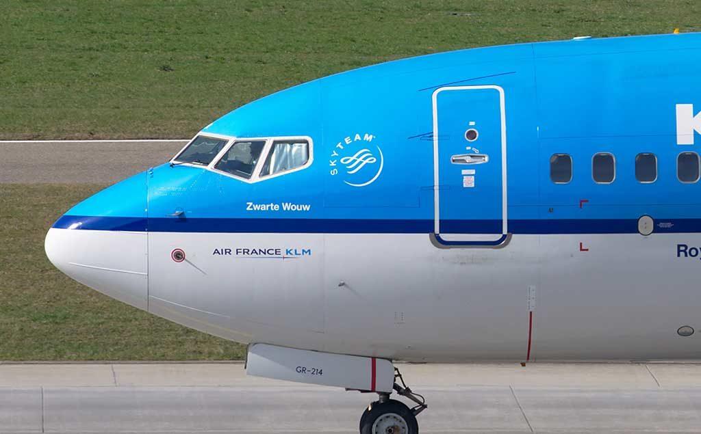 Boeing 737 Cockpit KLM