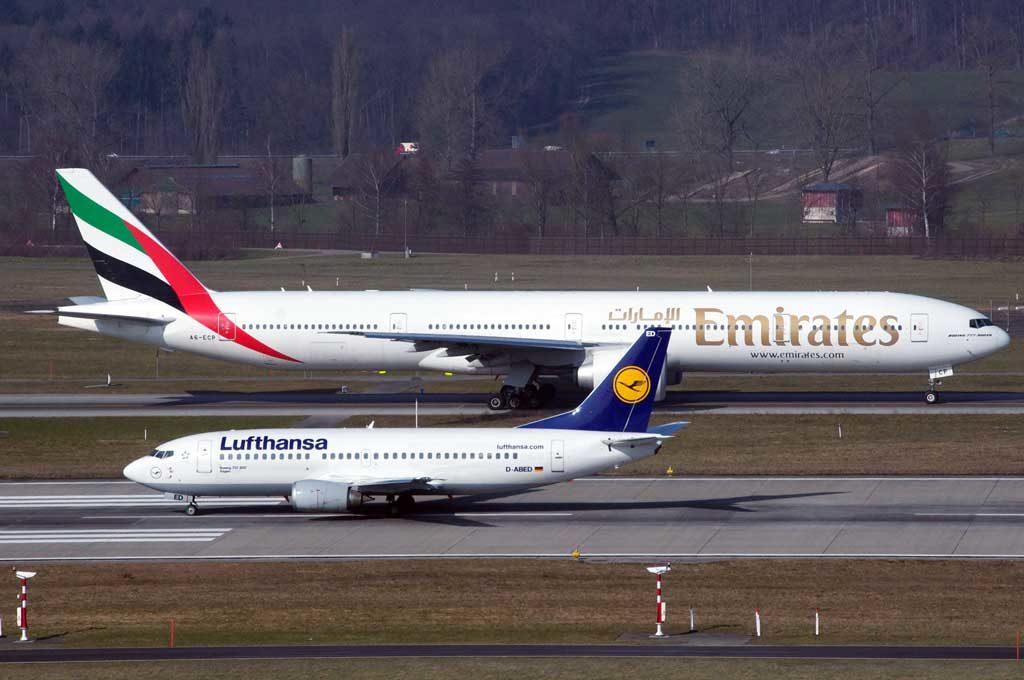Lufthansa Boeing 737 vs Emirates Boeing 777