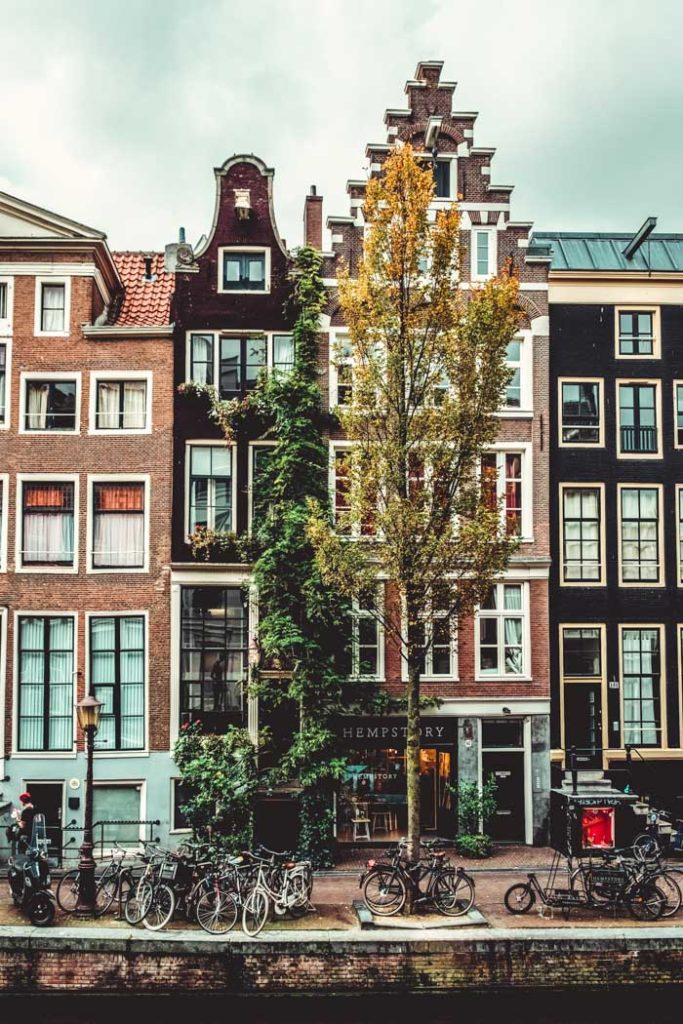 Amsterdam Nebenstraße im Stadtzentrum