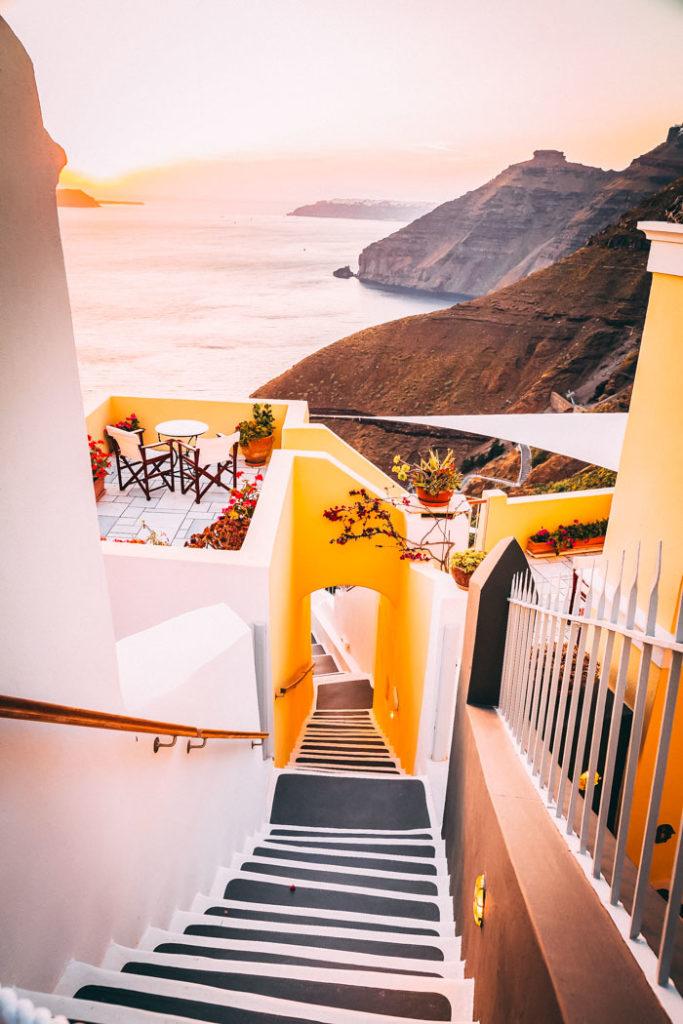 Santorini Seitengasse in Firá