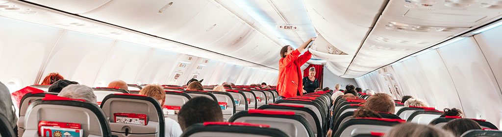Flugzeug Gepäckablage